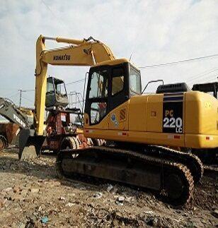 KOMATSU PC220-7 tracked excavator