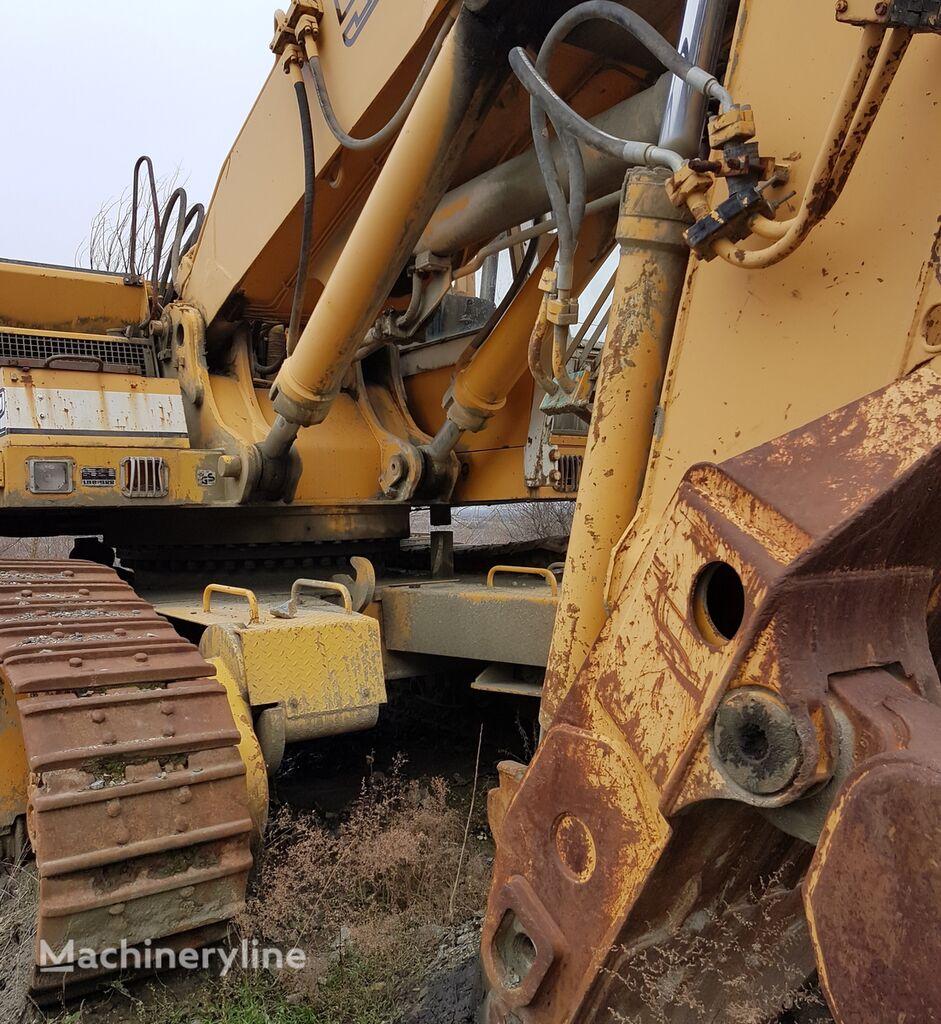 LIEBHERR 982 tracked excavator