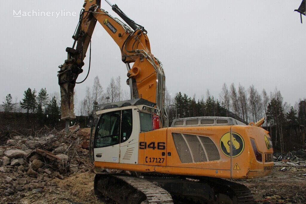 LIEBHERR R946 tracked excavator