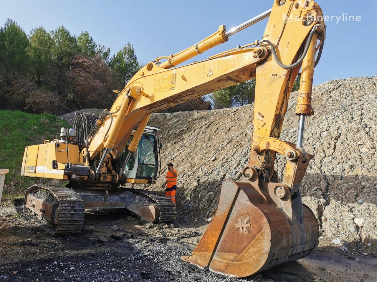LIEBHERR R954 tracked excavator