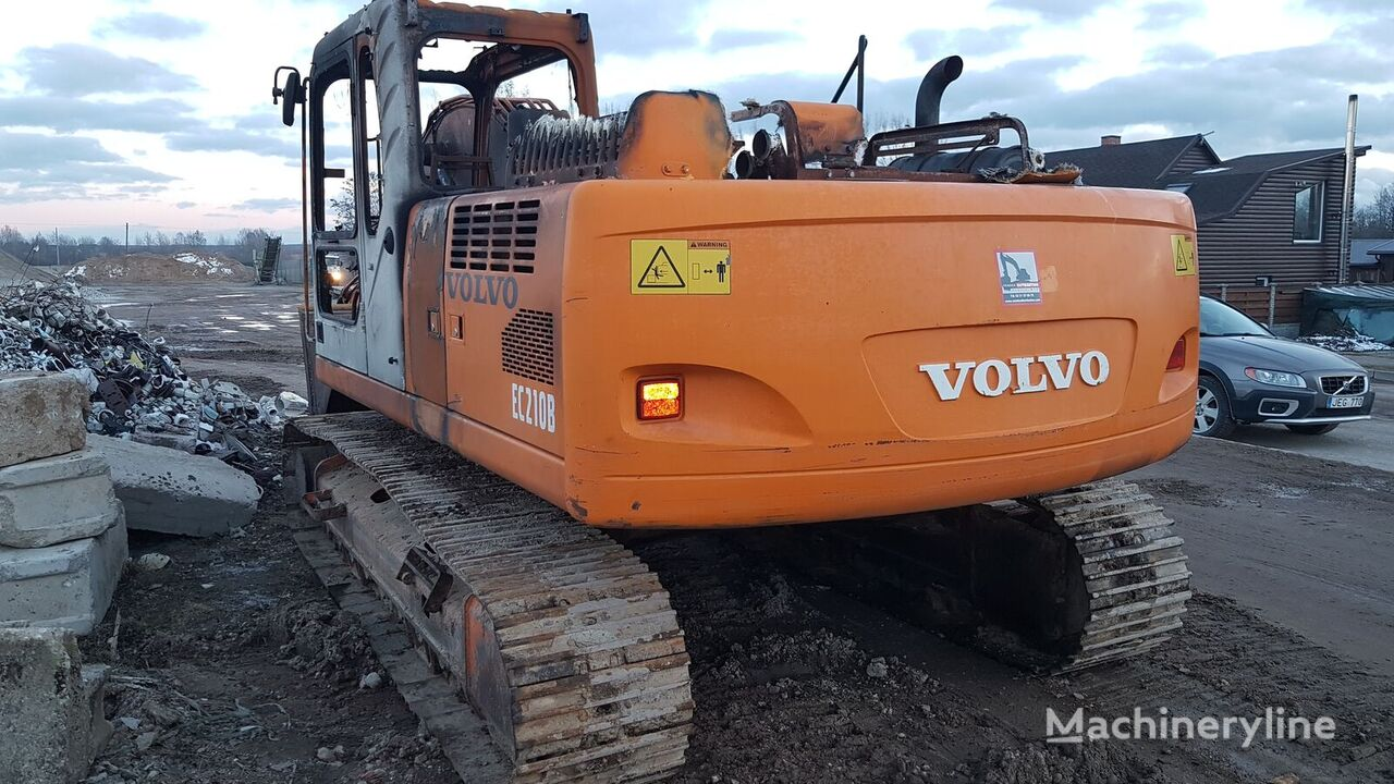 VOLVO-ABG E220 tracked excavator for parts