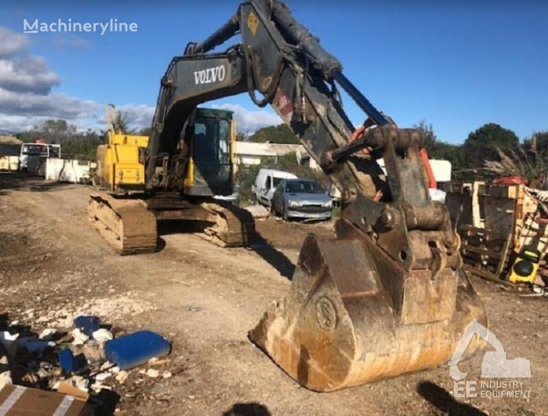 VOLVO EC 210 BNLC tracked excavator