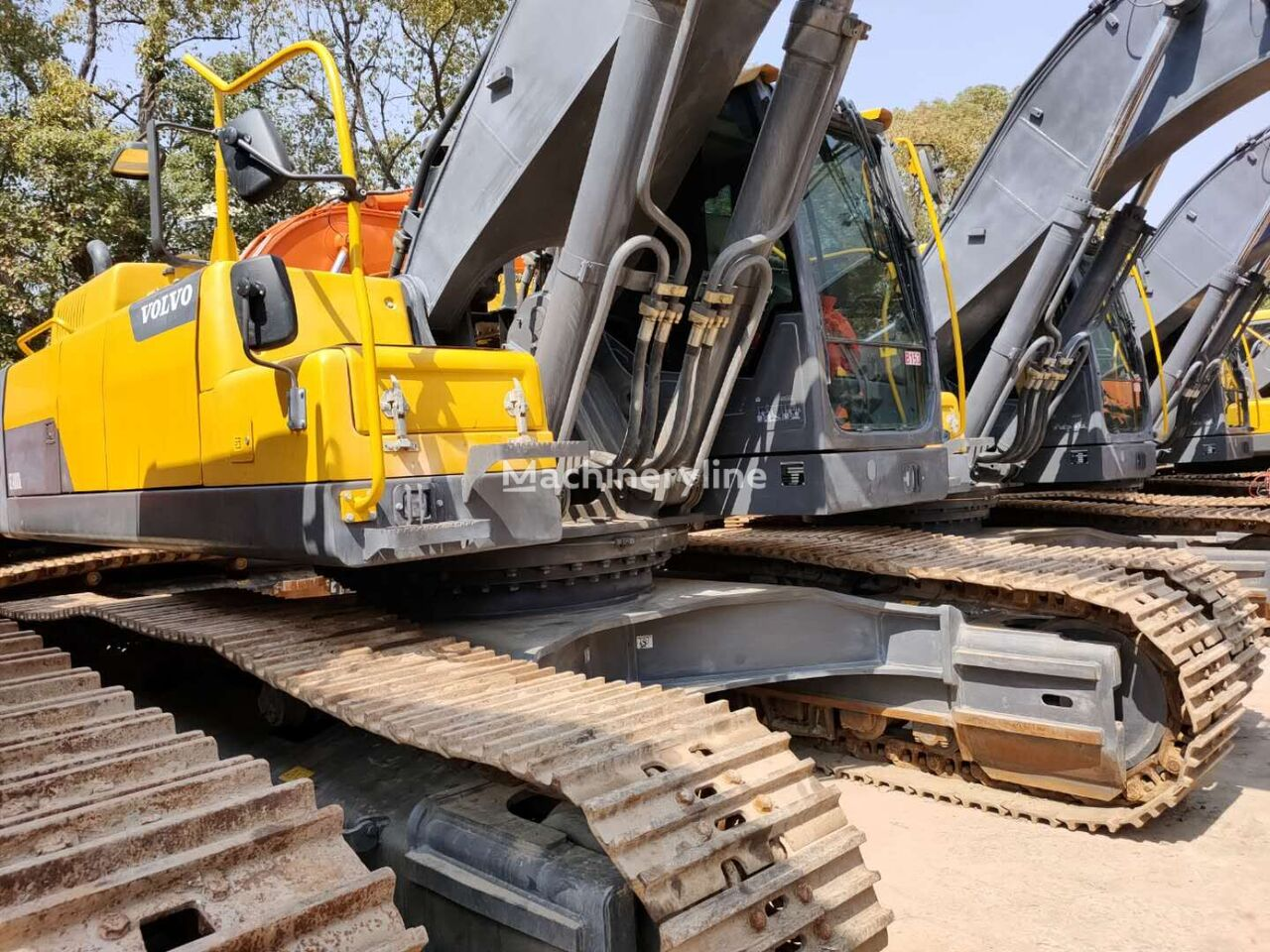 VOLVO EC480DL tracked excavator
