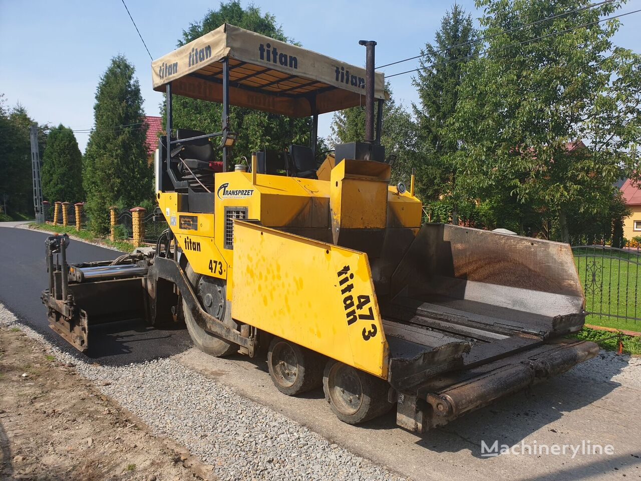 ABG TITAN 473 wheel asphalt paver