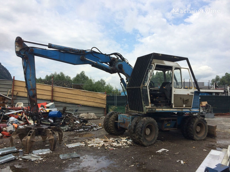FUCHS 722 wheel excavator