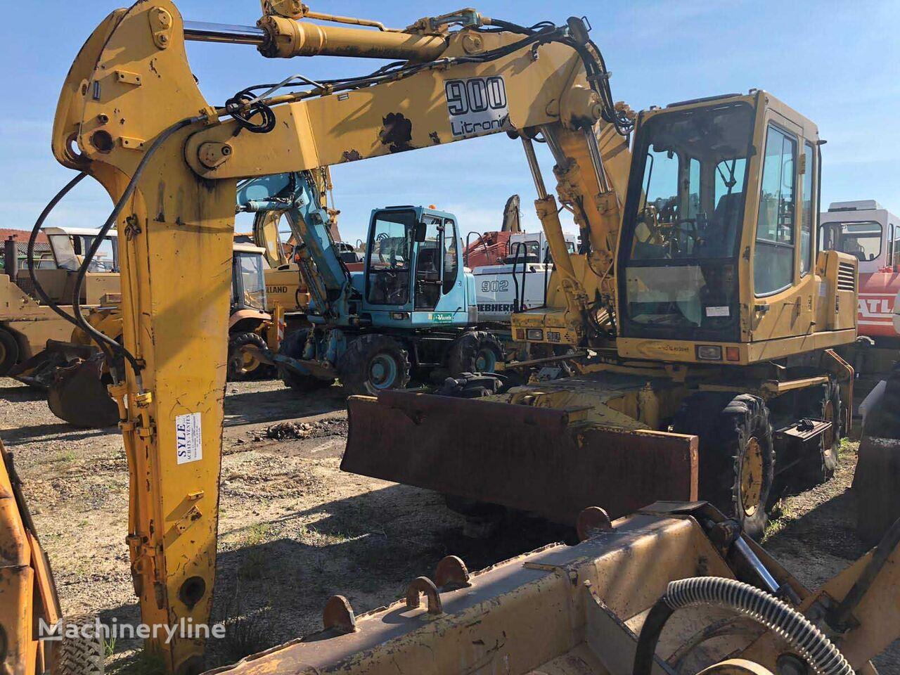 LIEBHERR A900 wheel excavator