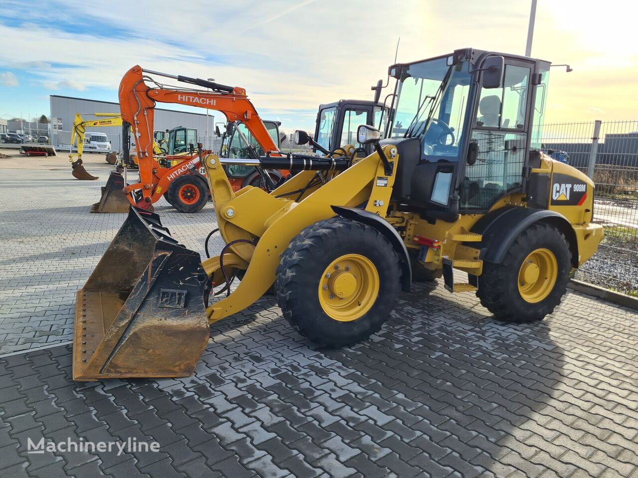 CATERPILLAR 908M    585h wheel loader
