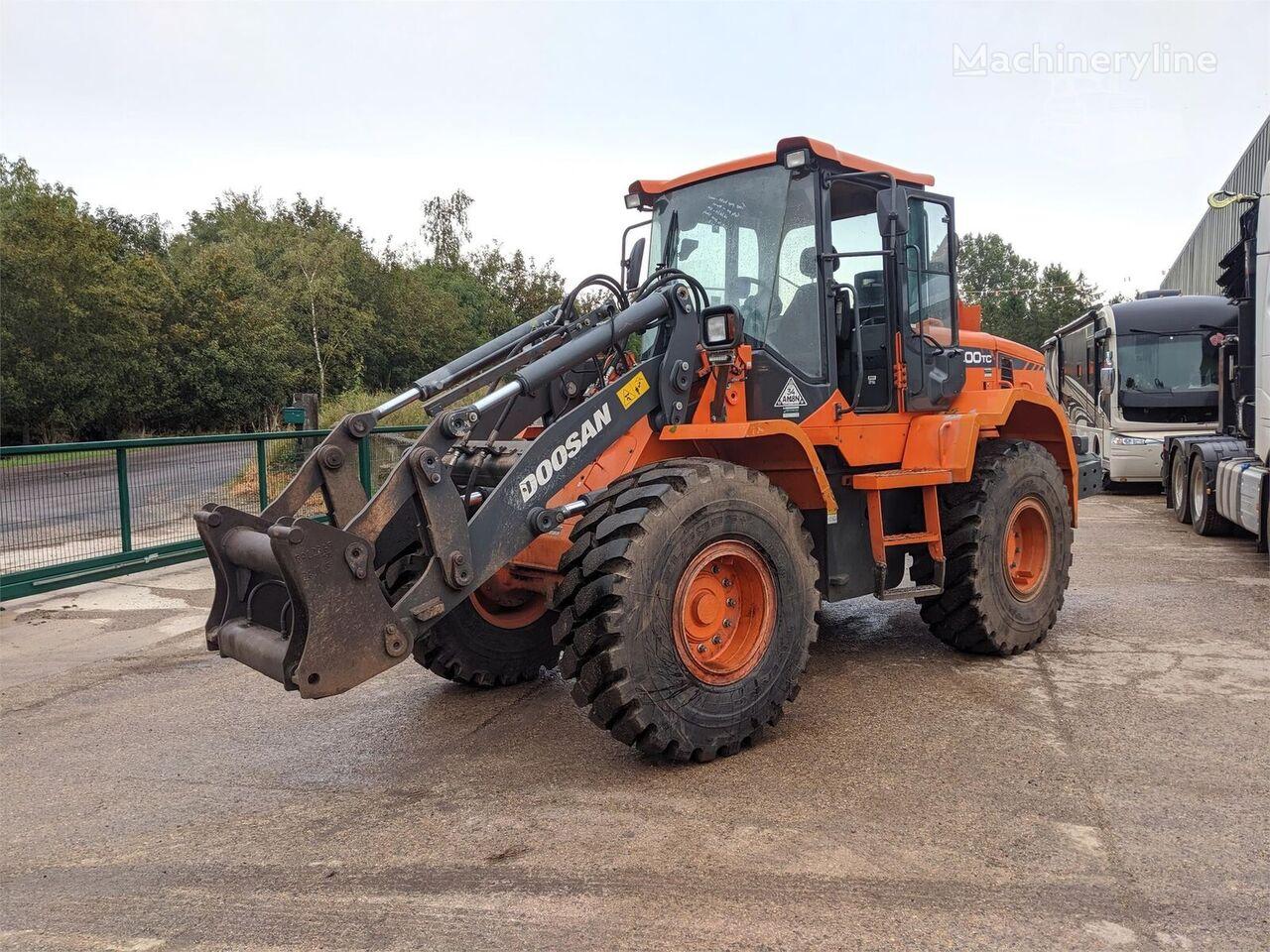 DOOSAN DL200 wheel loader