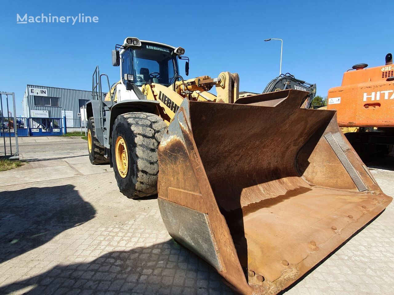 LIEBHERR L586 2plus2 wheel loader