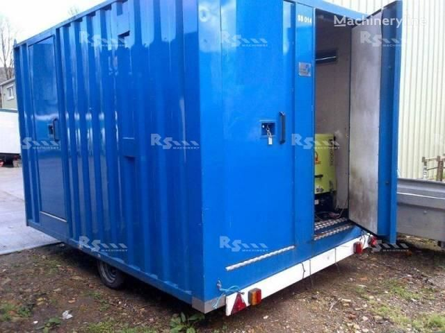 BOSS CABINS COMFORT SPACE sanitary container