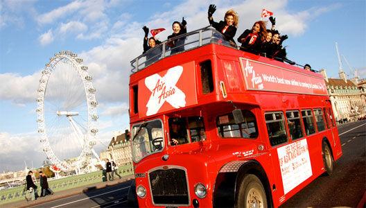 BRITISH BUS Tourist City Sightseeing open top traditional & modern London bu double decker bus