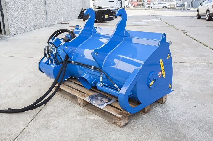 new AZOVAGROTECH KBS-500 concrete mixing bucket