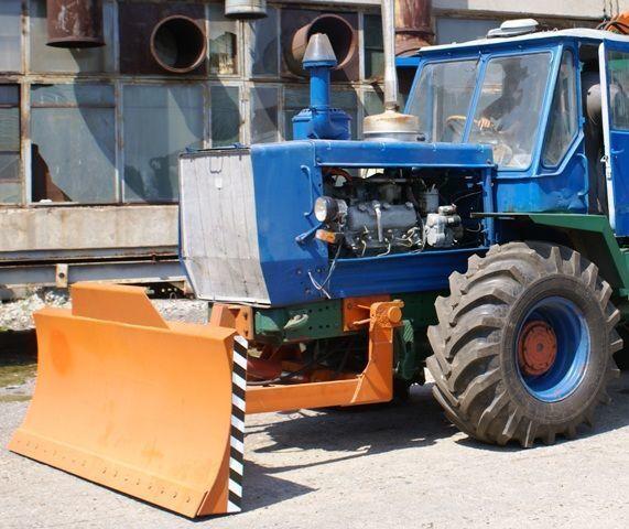 HTZ Buldozernoe oborudovanie (otval, lopata) na traktorah HTZ 150K dozer blade