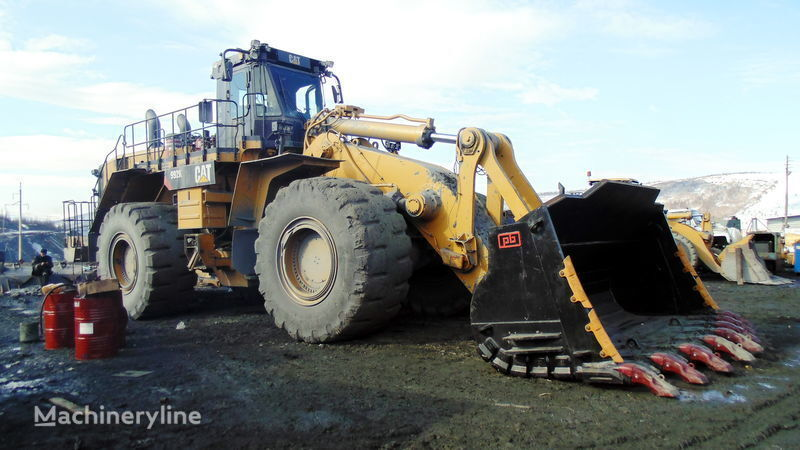new CATERPILLAR front loader bucket