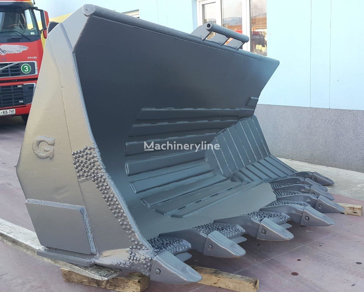 VOLVO  L180 side tipping bucket front loader bucket
