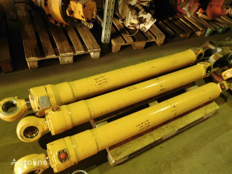 LIEBHERR Cylinder hook-lift hoist
