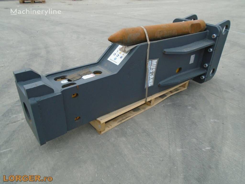 MUSTANG HM1900 hydraulic breaker