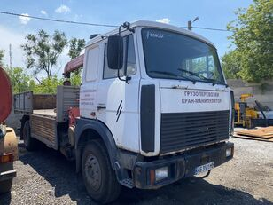 MAZ 533605-021 loader crane