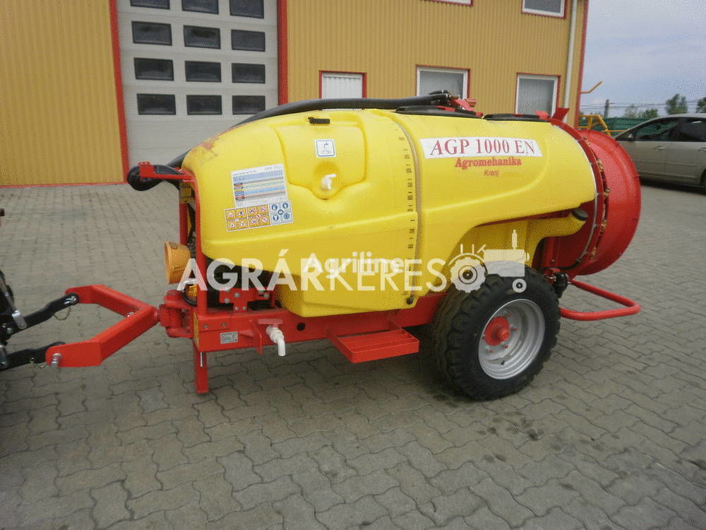 new Agromechanika AGP-1000 EN air-blast sprayer