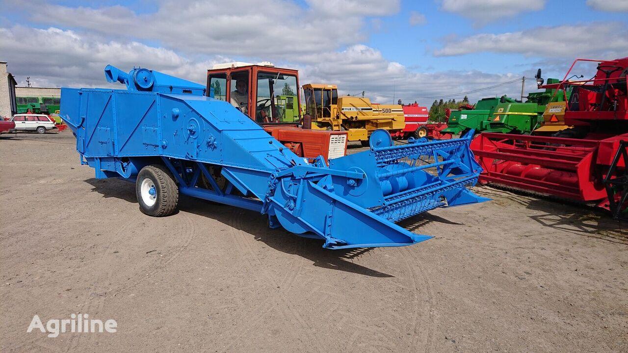 BIZON Z 020 combine-harvester