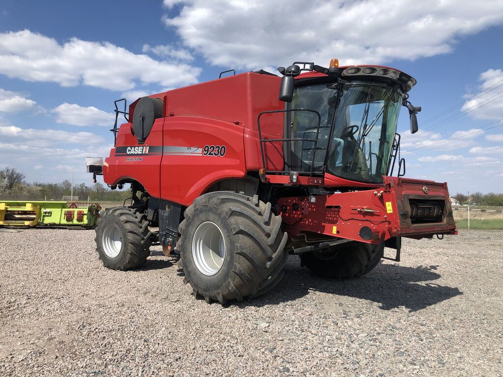 CASE IH 9230 v nayavnosti v Ukrayini! combine-harvester