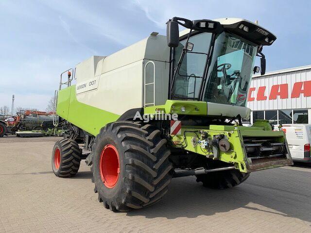 CLAAS LEXION 600 TERRA combine-harvester