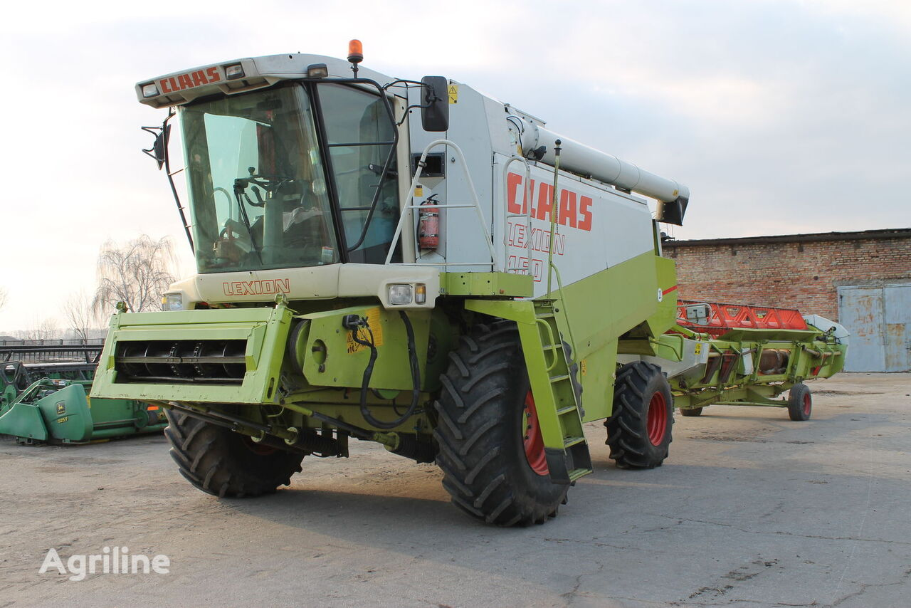 CLAAS Lexion 460 combine-harvester
