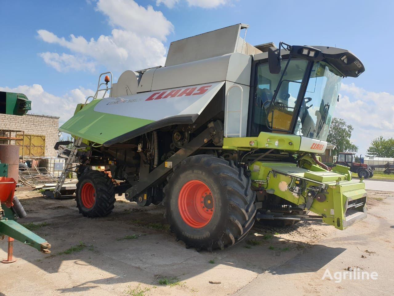 CLAAS Lexion 550 combine-harvester