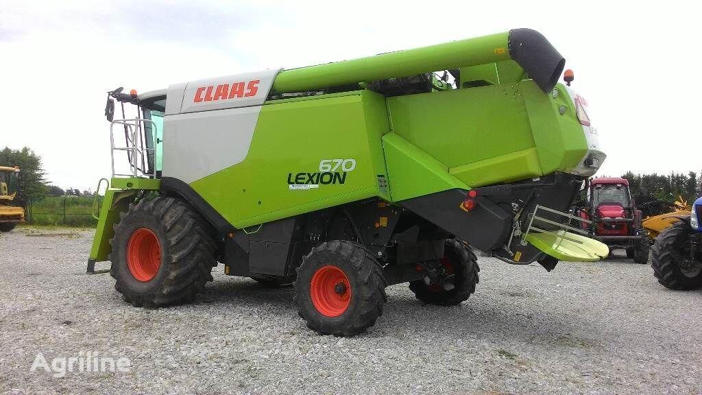 CLAAS Lexion 670 combine-harvester