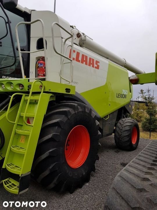 CLAAS Lexion 760 combine-harvester