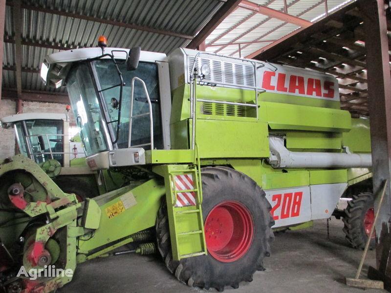 CLAAS Rozborka Mega 208 combine-harvester
