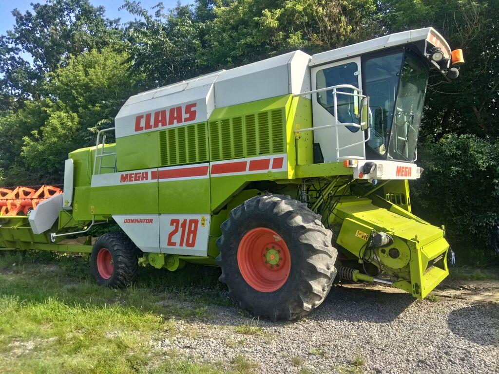 Class Mega 218 combine-harvester