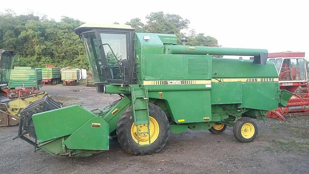 JOHN DEERE 1055 combine-harvester