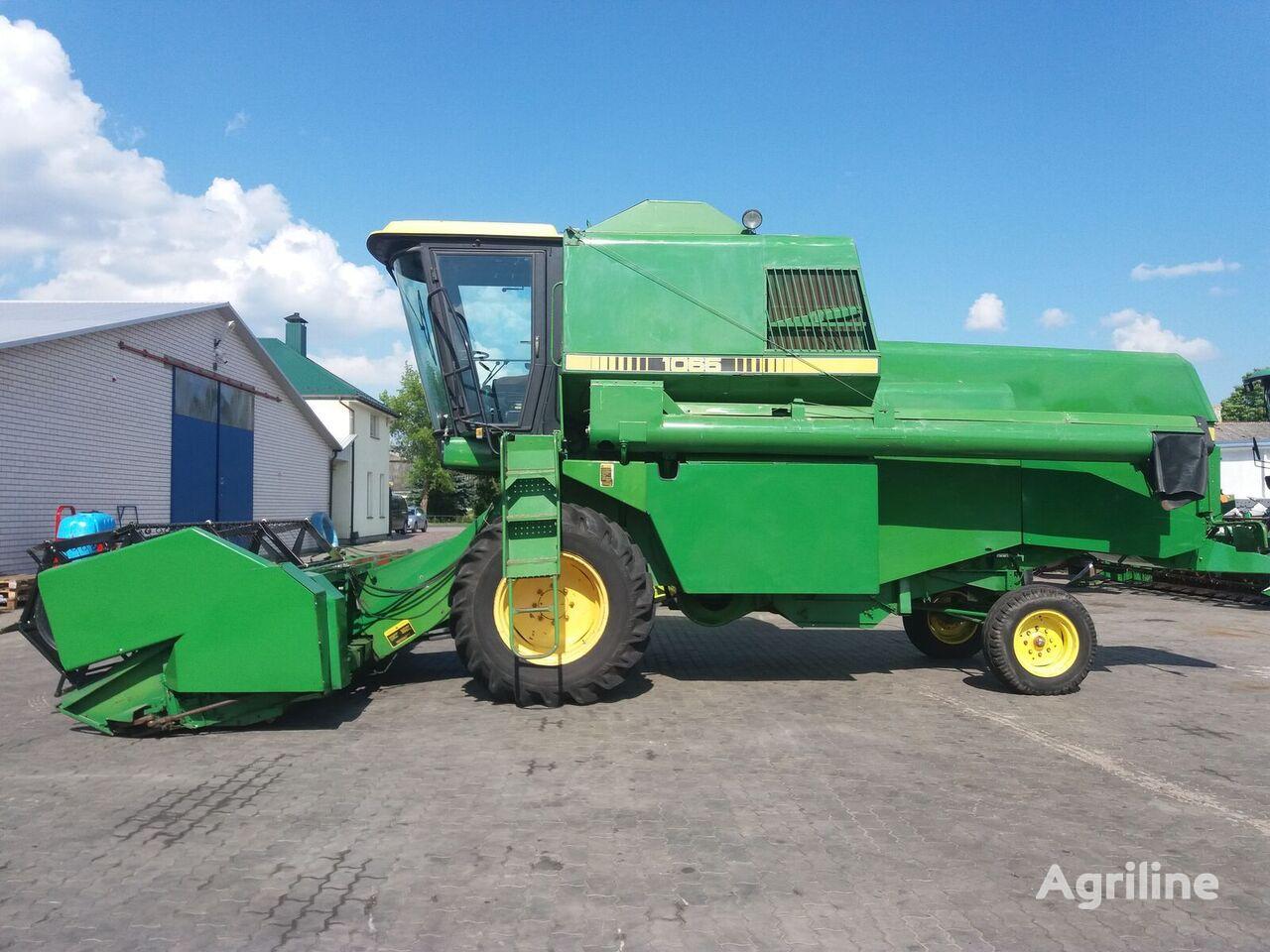JOHN DEERE 1065 combine-harvester