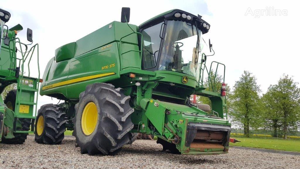 JOHN DEERE 9770 STS combine-harvester
