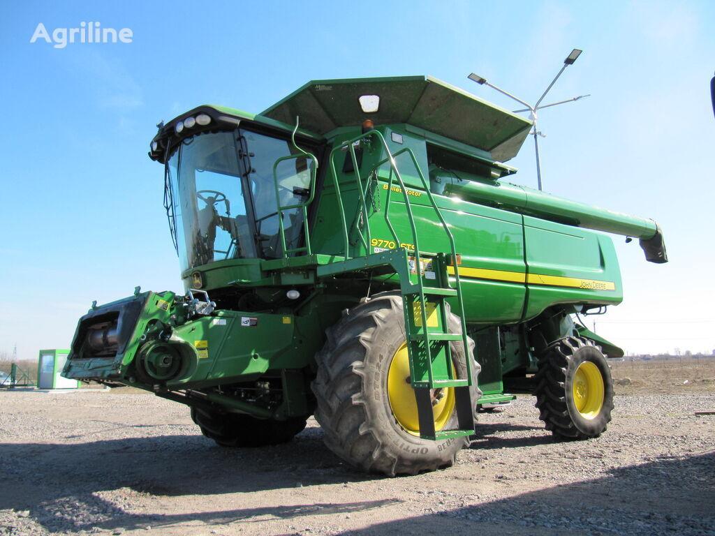 JOHN DEERE 9770STS combine-harvester