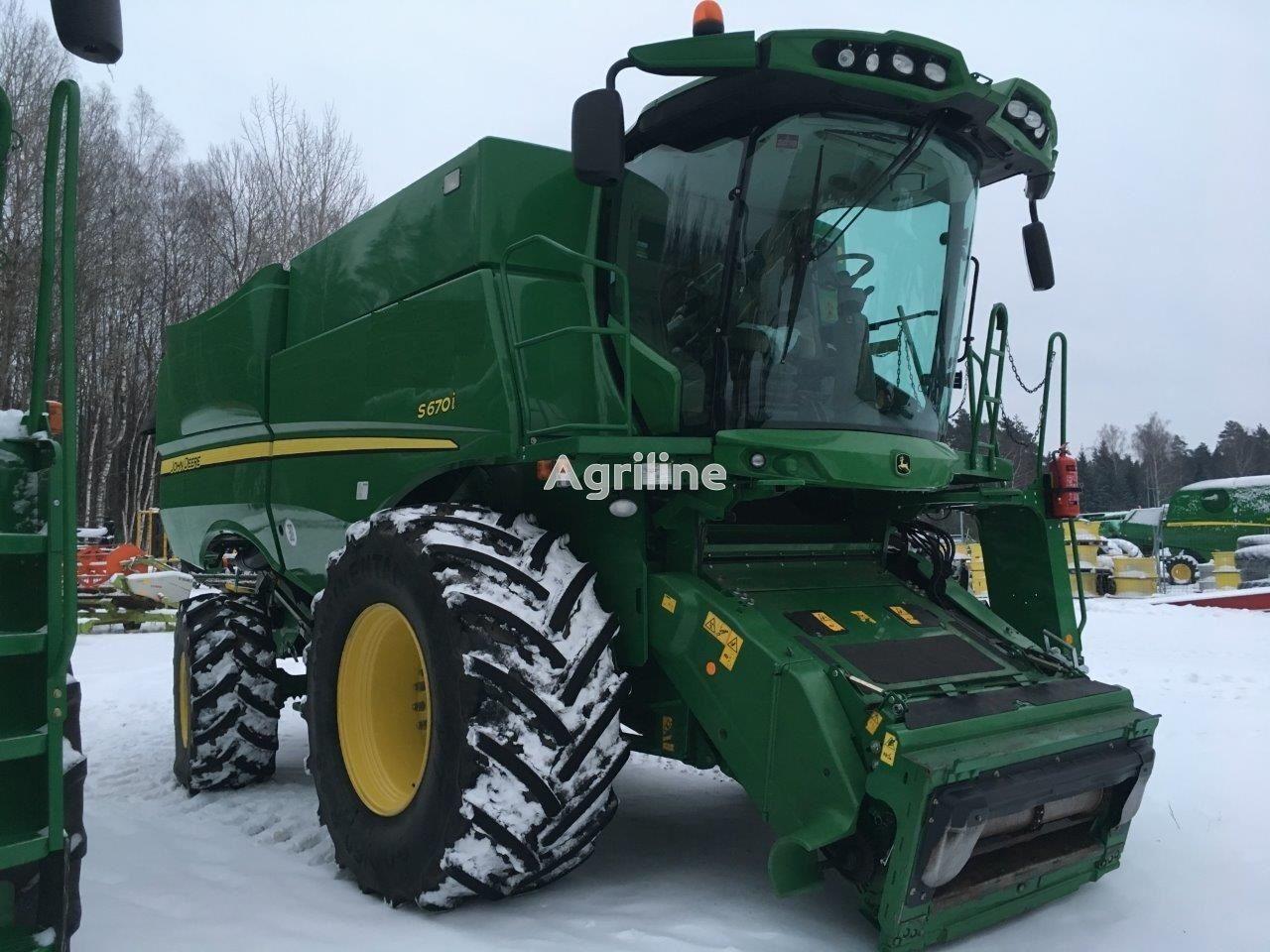 JOHN DEERE S670i combine-harvester