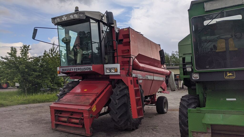 MASSEY FERGUSON 34 combine-harvester