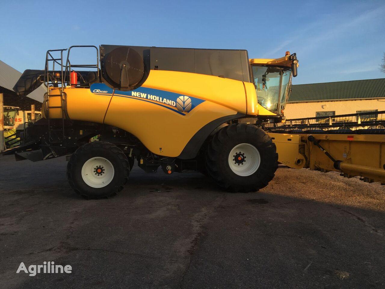 NEW HOLLAND CR9080 combine-harvester