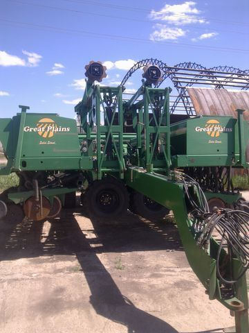 GREAT PLAINS 3s-4000HDF combine seed drill