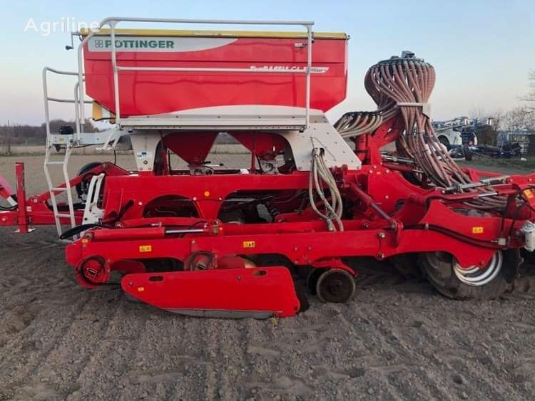 PÖTTINGER Terrasem C4 fertilizer combine seed drill