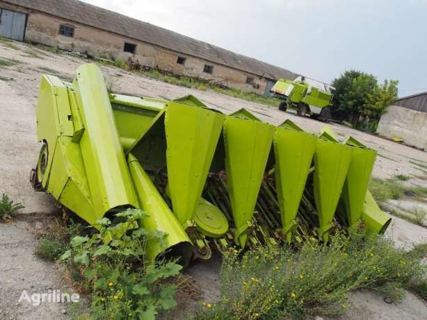 CLAAS corn header