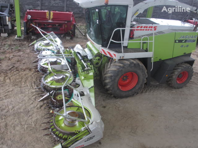 CLAAS ORBIS 750 corn header
