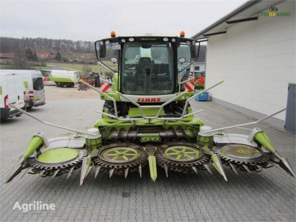 CLAAS RU600 corn header