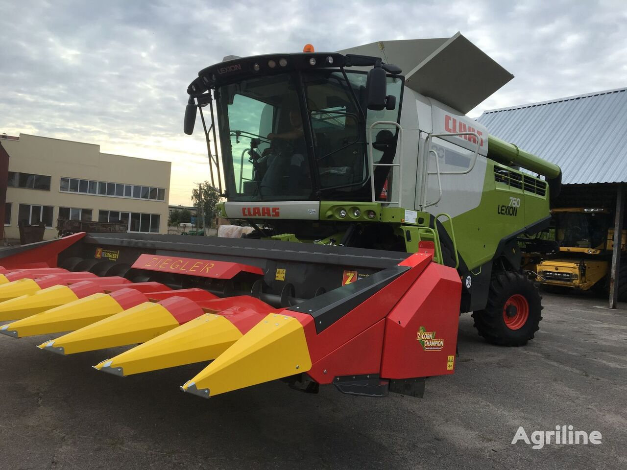 new ZIEGLER CC8S corn header