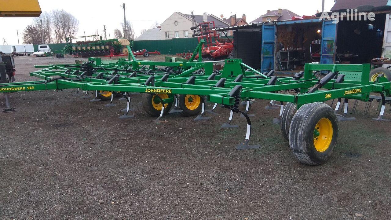 JOHN DEERE 960 cultivator