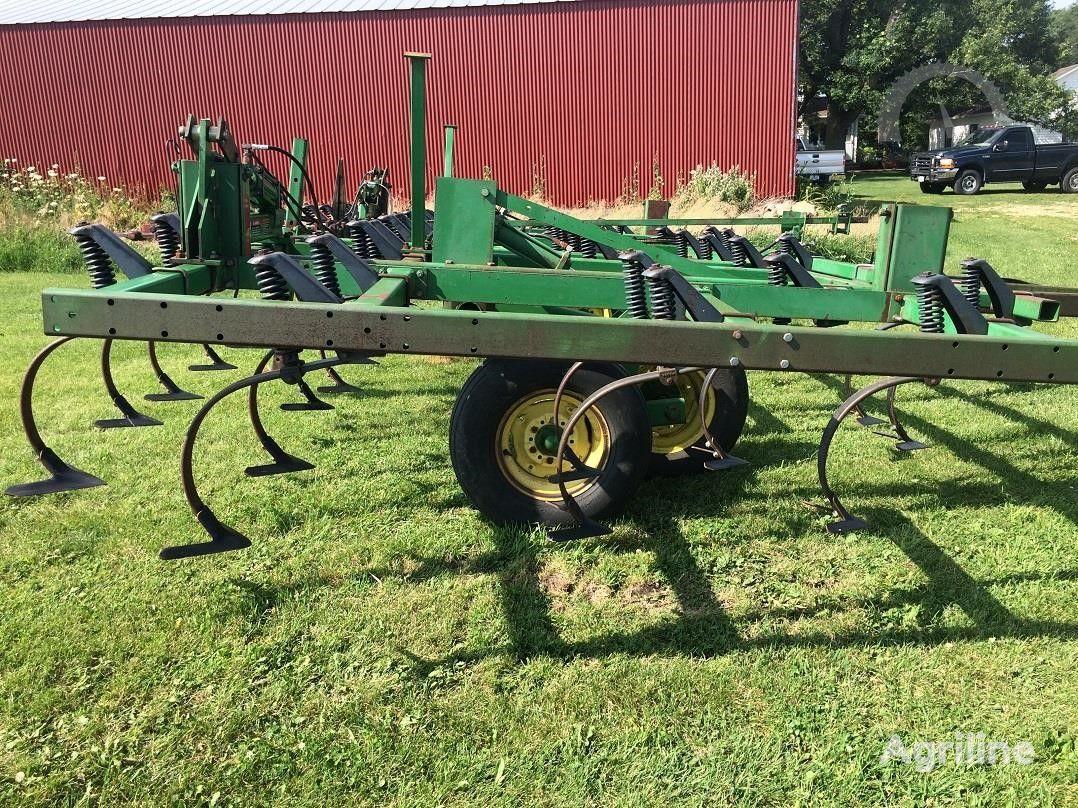 JOHN DEERE 960 6,7 m V NALIChII iz SShA, dlya traktora 150 sil, iz SShA cultivator