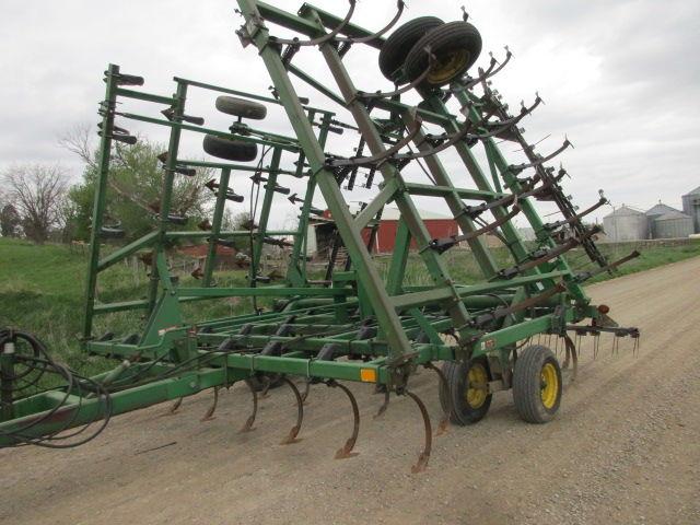 JOHN DEERE 980 kultivator 11 m, import iz SShA cultivator