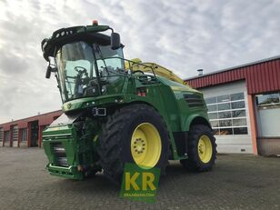new JOHN DEERE 8400i forage harvester