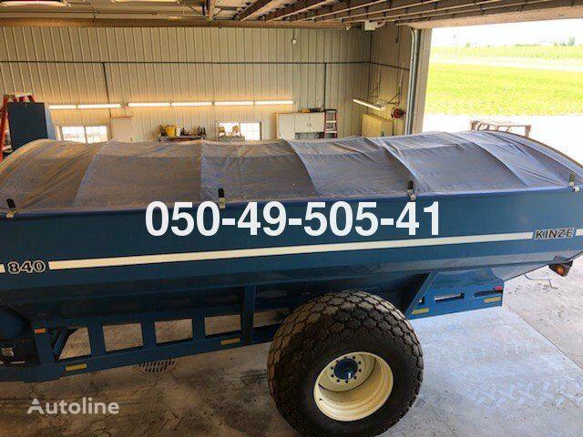 KINZE 840 grain cart